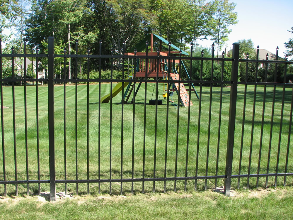 Sawdon Fence Aluminum Steel Wrought Iron Fence Serving